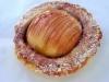 Dinkeltartelette mit Apfel und Holunderblütensirup
